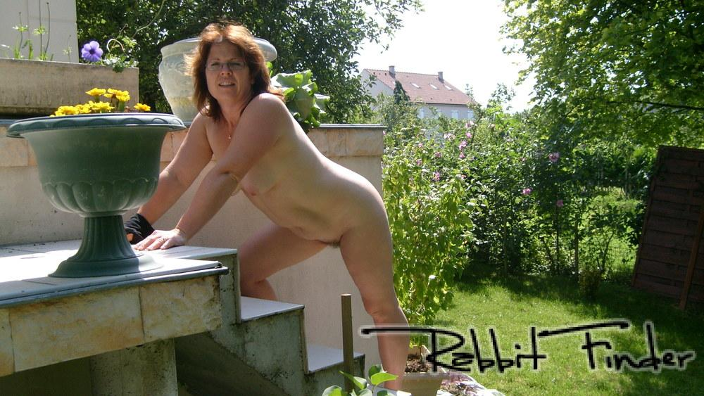 sexe dans le jardin sexe anal lesbienne
