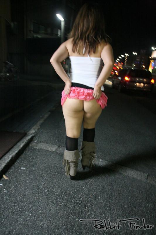 salope lorient salope sans culotte dans la rue